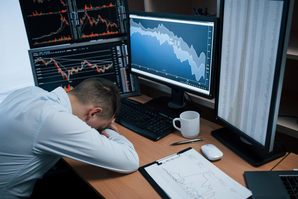 Yurt içi piyasalar, sanayi üretimi ve cari işlemler verilerine odaklandı
