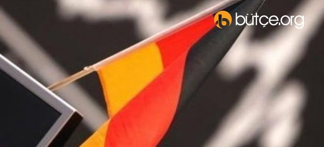 """Alman hükümeti """"düşük faizden"""" yaklaşık 211 milyar avro tasarruf sağladı"""